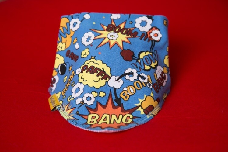 Babyboo SUPERHERO TO THE RESCUE ORGANIC COTTON DRIBBLEBOO BANDANA BIB