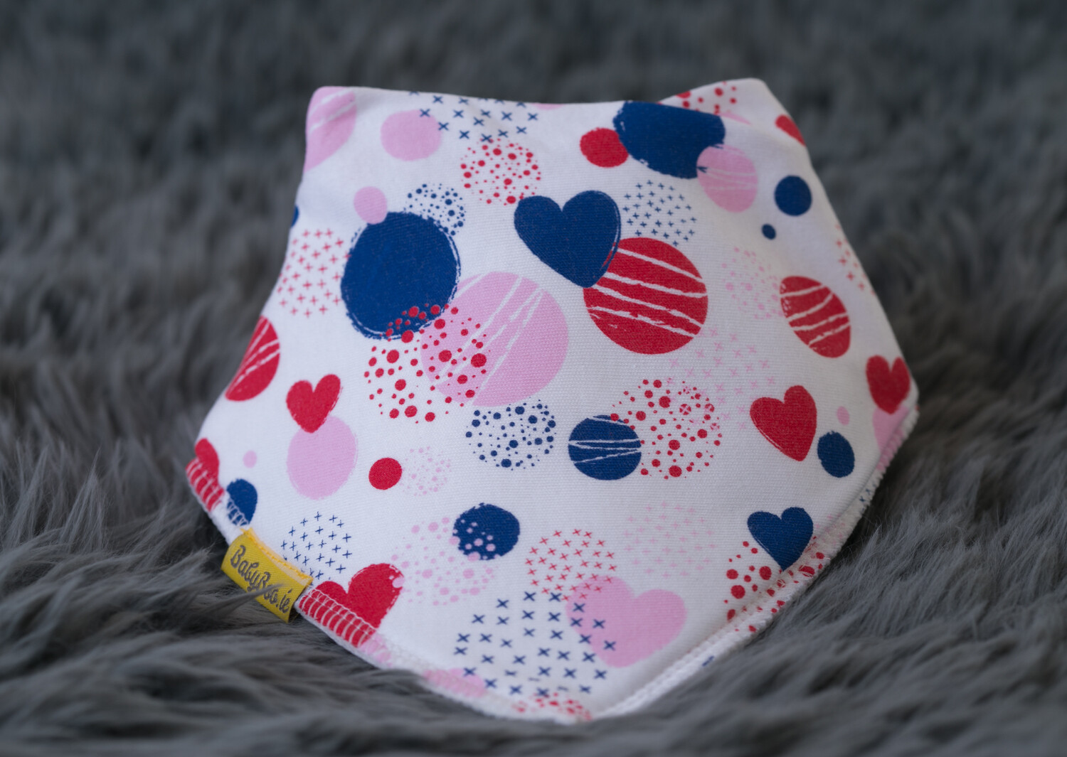 Babyboo ABSTRACT HEARTS ORGANIC COTTON DRIBBLEBOO BANDANA BIB