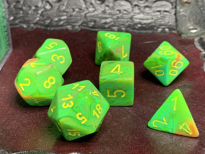 16mm 7 Die Polyhedral Dice Set - Vortex Slime Yellow
