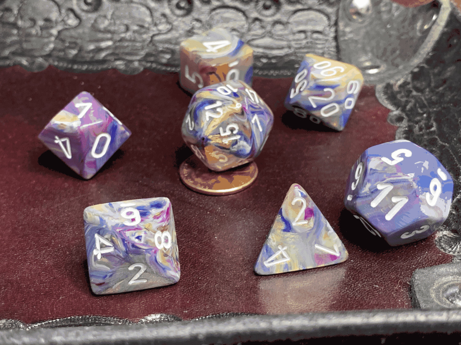 16mm 7 Die Polyhedral Dice Set - Festive Carousel with White