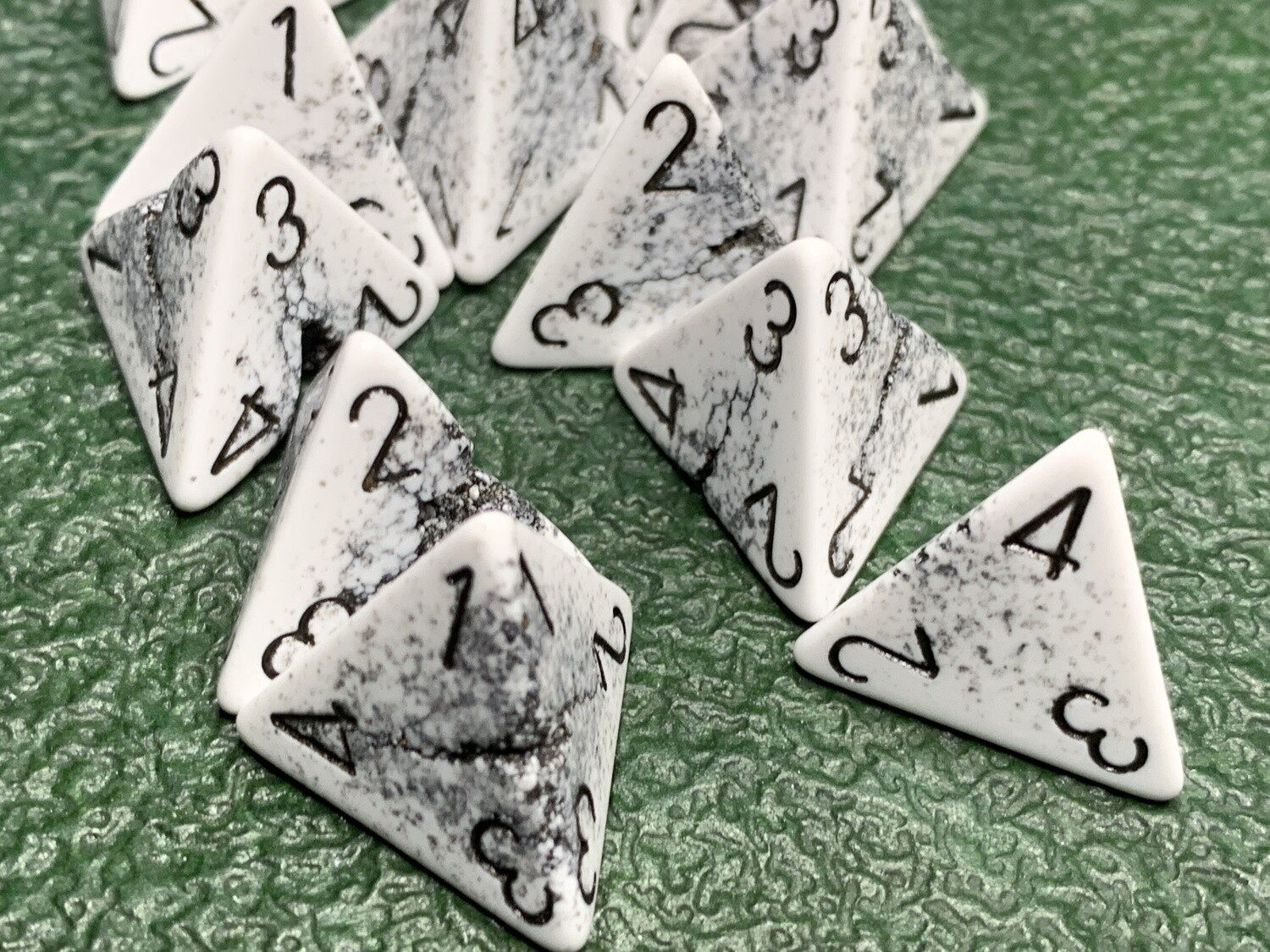 Chessex Error Cracked White D4 Polyhedral Gaming Dice