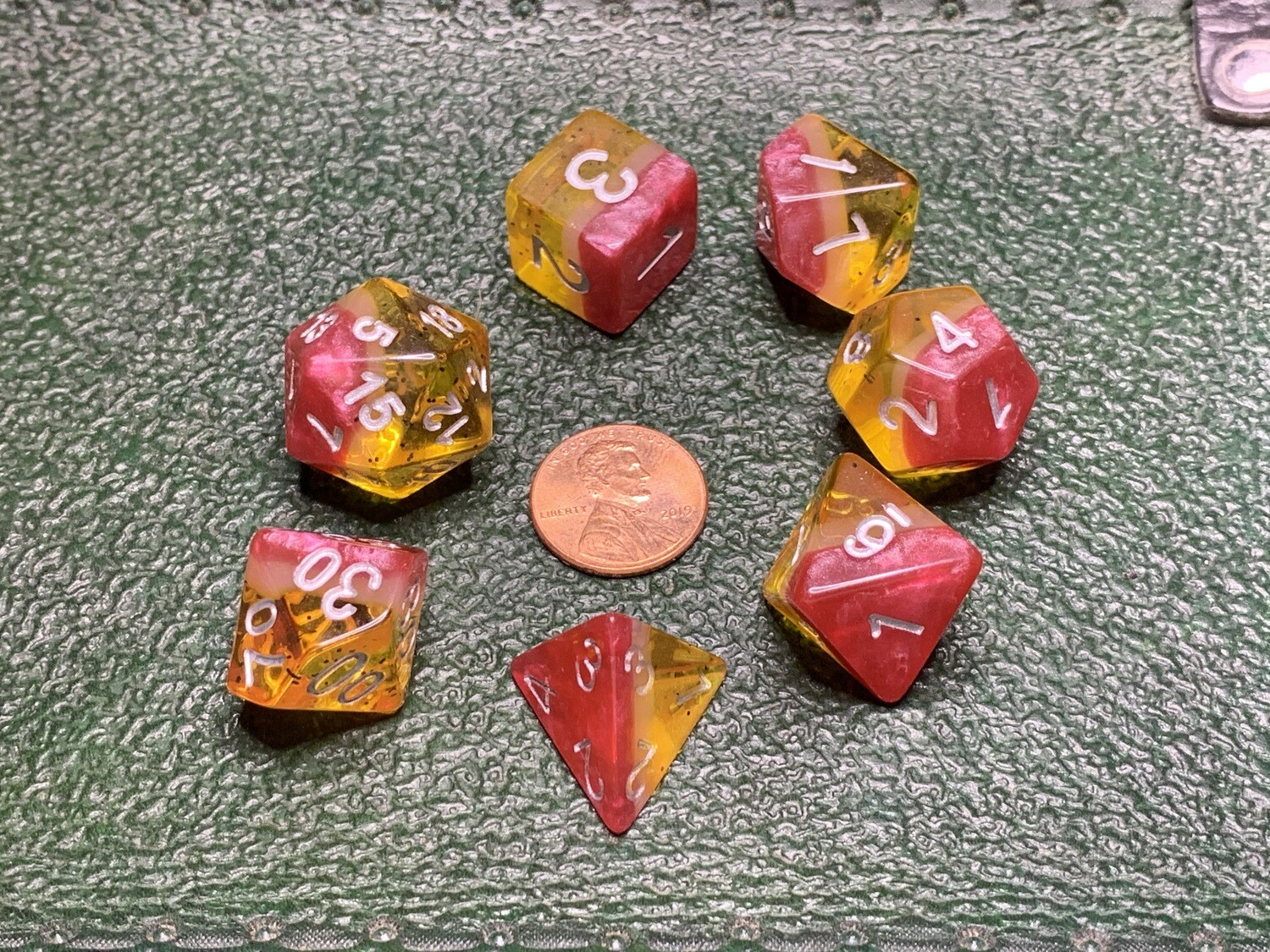 Yellow Rose 7 Piece Dice Polyhedral Set Tabletop RPG Gaming Board Card Games