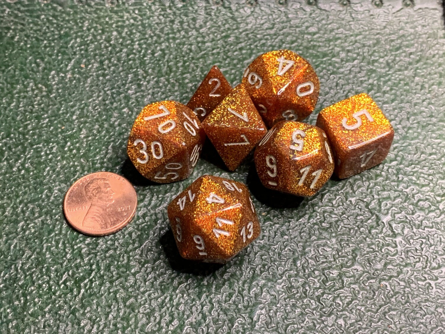 16mm 7 Die Polyhedral Dice Set - Giltter Gold with White