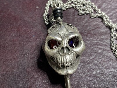 Chessex 16mm Dice Pendant Old Silver Skull & Dagger with D20 Die Tabletop RPG