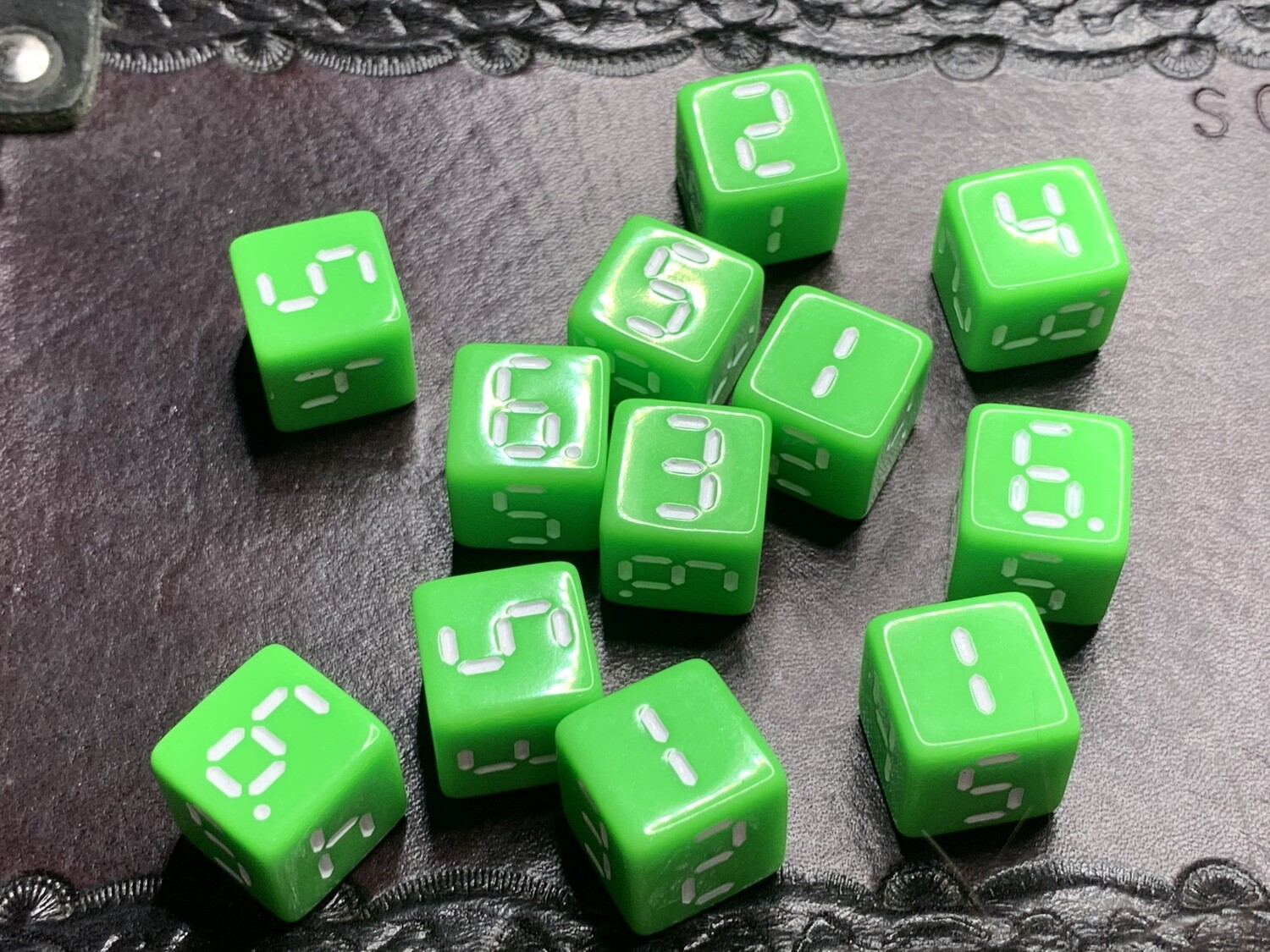 """Retro Dice 12D6 (Twelve 6-Sided) """"Isolated"""" Tabletop RPG Gaming Roleplay"""
