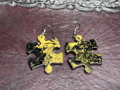 Puzzle Piece Puzzle Earrings - Chessex Dice Style Gemini - Black & Gold
