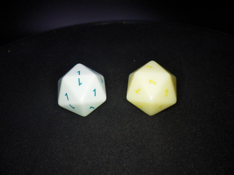 All #1's Cheat Joke Gag 1D20 Die Custom 16mm Gaming Tabletop RPG Dice Roleplay CCG Board Cards Games Marker