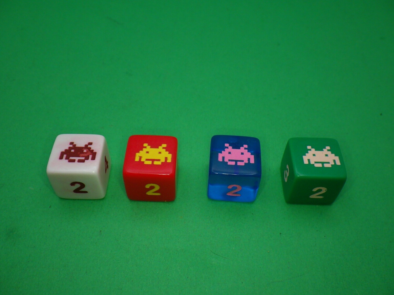Pixel Alien Custom D6 Die 16mm Gaming Tabletop RPG Dice Roleplay CCG Board Cards Games Token Counter Marker Board Random