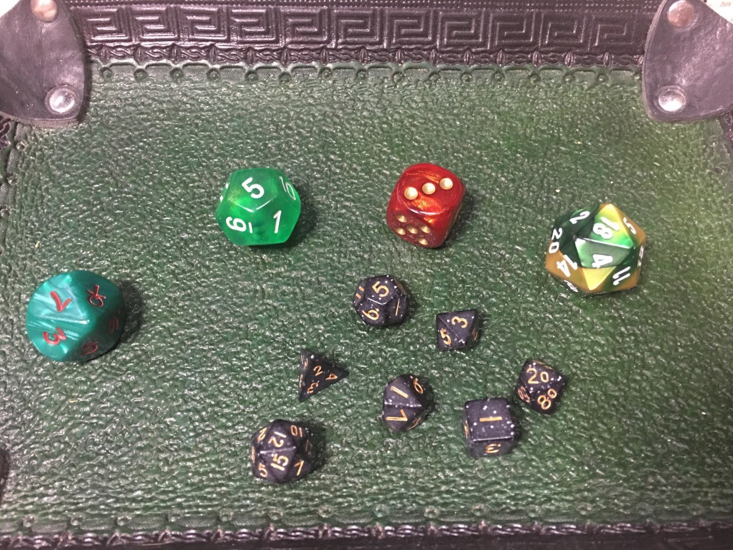 Glitter Black-Gold 10MM Mini Polyhedral 7-Die Roleplaying Dice or Game Counters