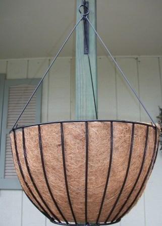 Flat-bottom Wire Hanging Baskets w/Coco Liner