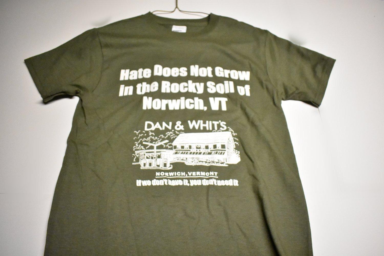 "D&W Green T-shirt ""Hate Does not grow"" Small/ Medium"