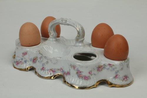Porcelain egg stand for 6 eggs and salt & pepper