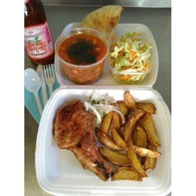 №5 солянка, свиная корейка, лимонад, лепёшка, салат витаминный, картофель айдахо