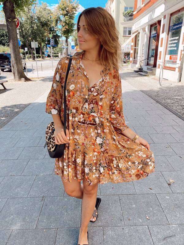 Dress Flowers Short Brown