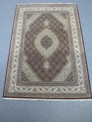 Fine Indian Rug (Silk Highlights)