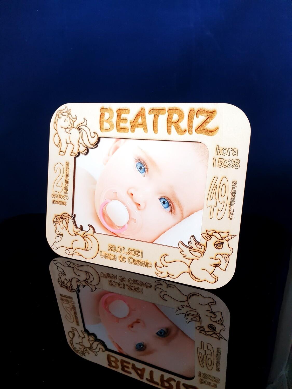 Moldura personalizada de bebé com foto (corte laser)