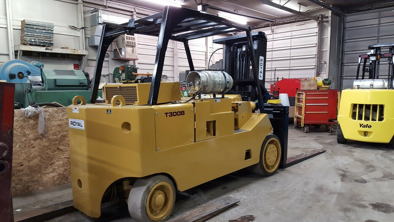15 Ton CAT/Royal T300 Forklift For Sale