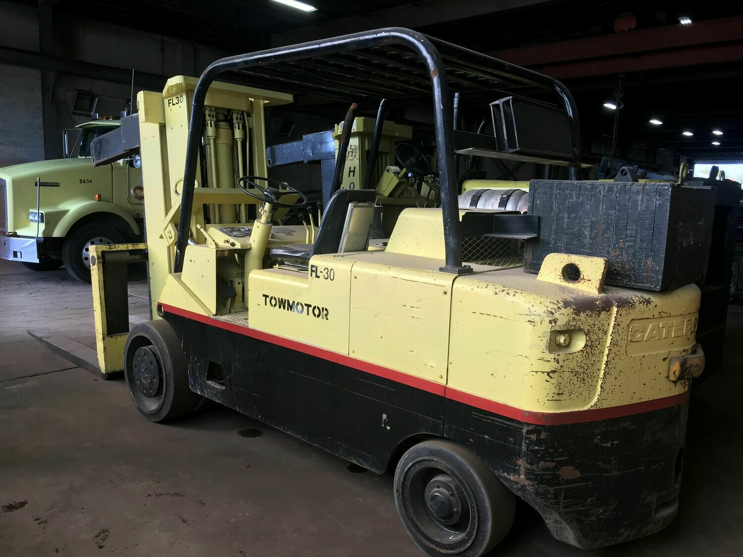 30,000 lbs Capacity Cat Forklift For Sale 15 Ton
