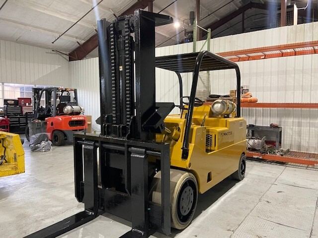 30,000 lbs Capacity Cat Forklift Model T300 For Sale