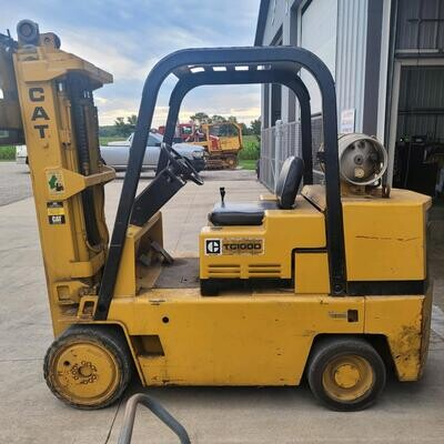 10,000 lbs Cat Solid Tire Forklift For Sale