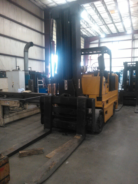 30,000 lbs / 40,000 lbs Capacity Hoist Forklift For Sale