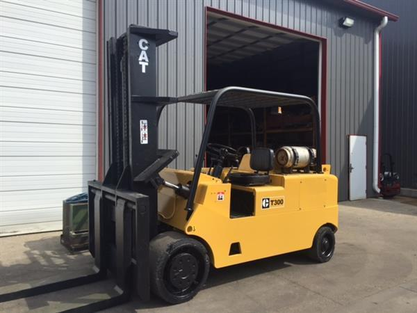 30,000lb CAT Caterpillar Forklift For Sale 15 Ton