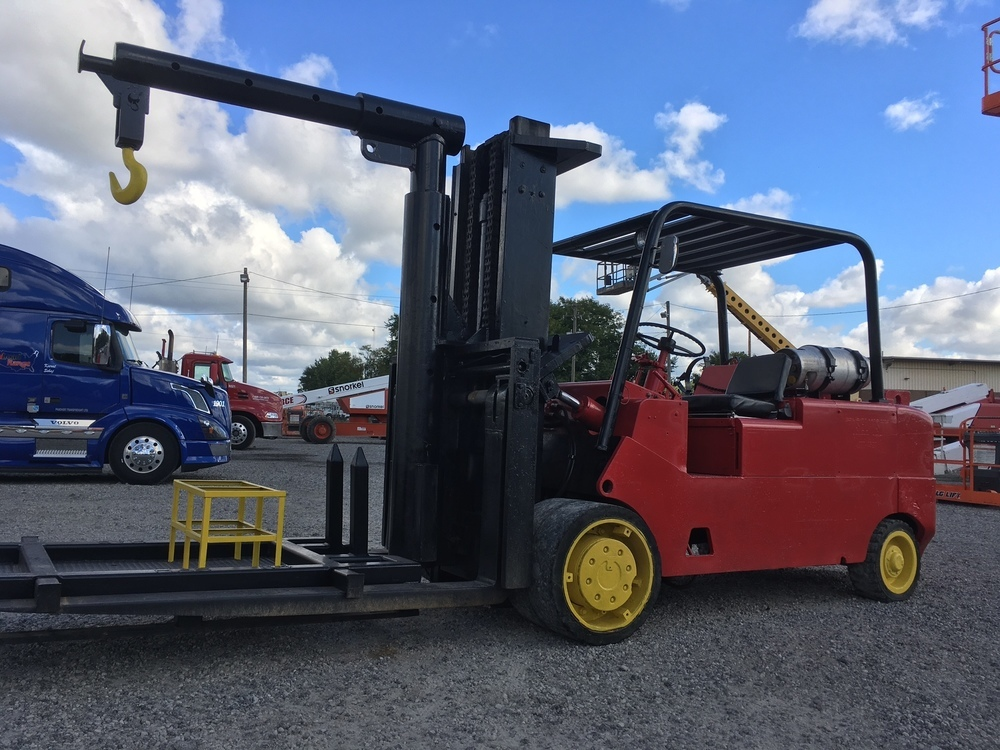 30,000lb CAT T300 Forklift For Sale 15 Ton