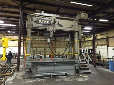 600 Ton Dake Hydraulic Traveling Ram Straightening Press For Sale