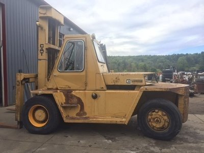 25,000lb CAT Air-Tired Forklift For Sale 12.5 Ton
