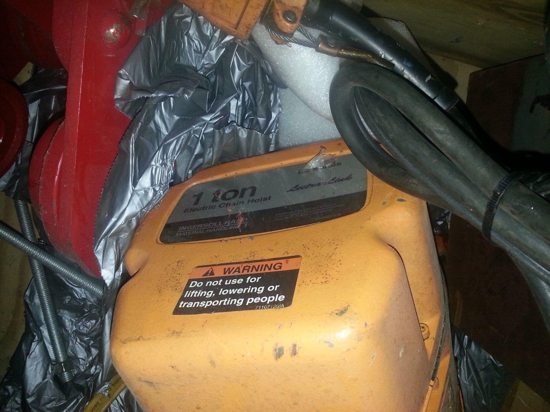 1 Ton Ingersol Rand Electric Hoist For Sale