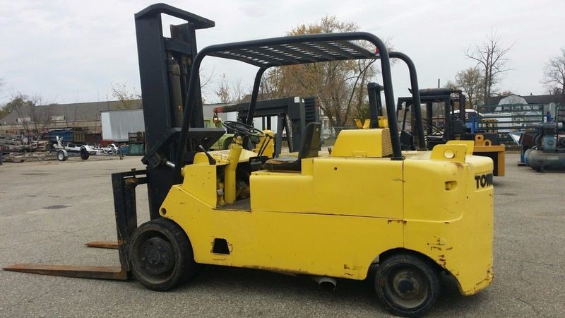 25,000lb CAT/Towmotor Forklift For Sale 12.5 Ton