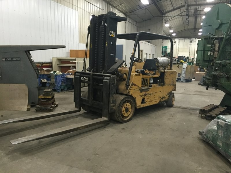 20,000lb CAT Forklift For Sale 10 Ton