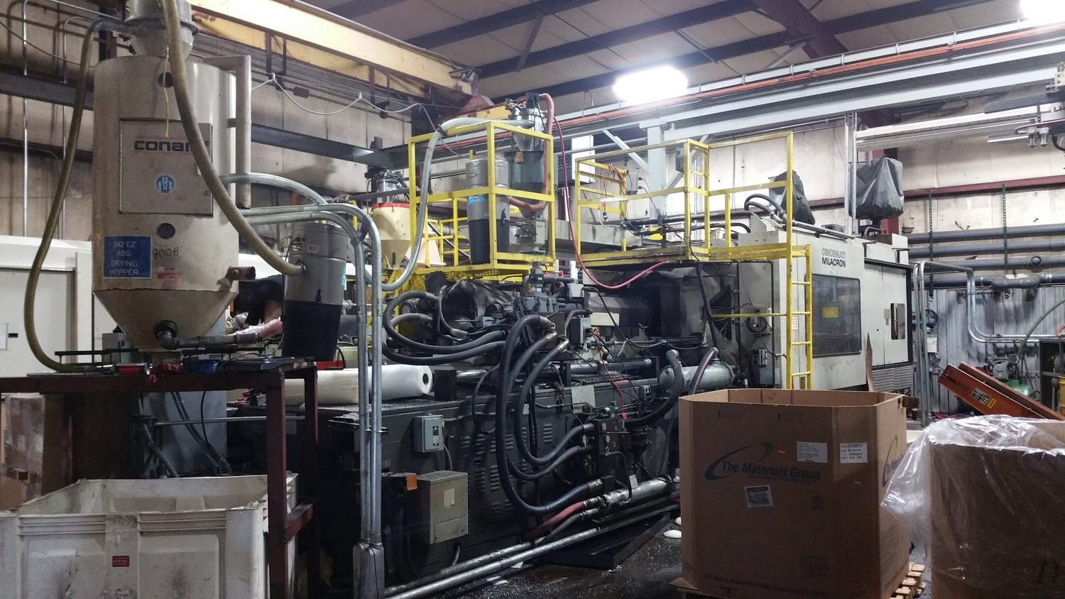 850 Ton Capacity Cincinnati Injection Molding Machine For Sale