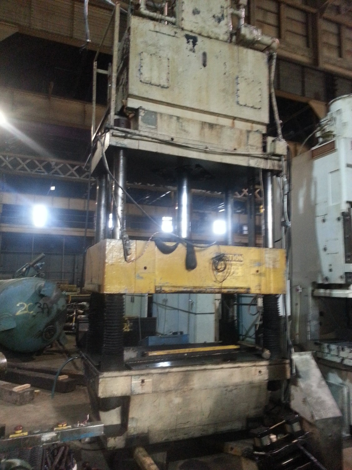 200 Ton Capacity Bentler Hydraulic Press For Sale