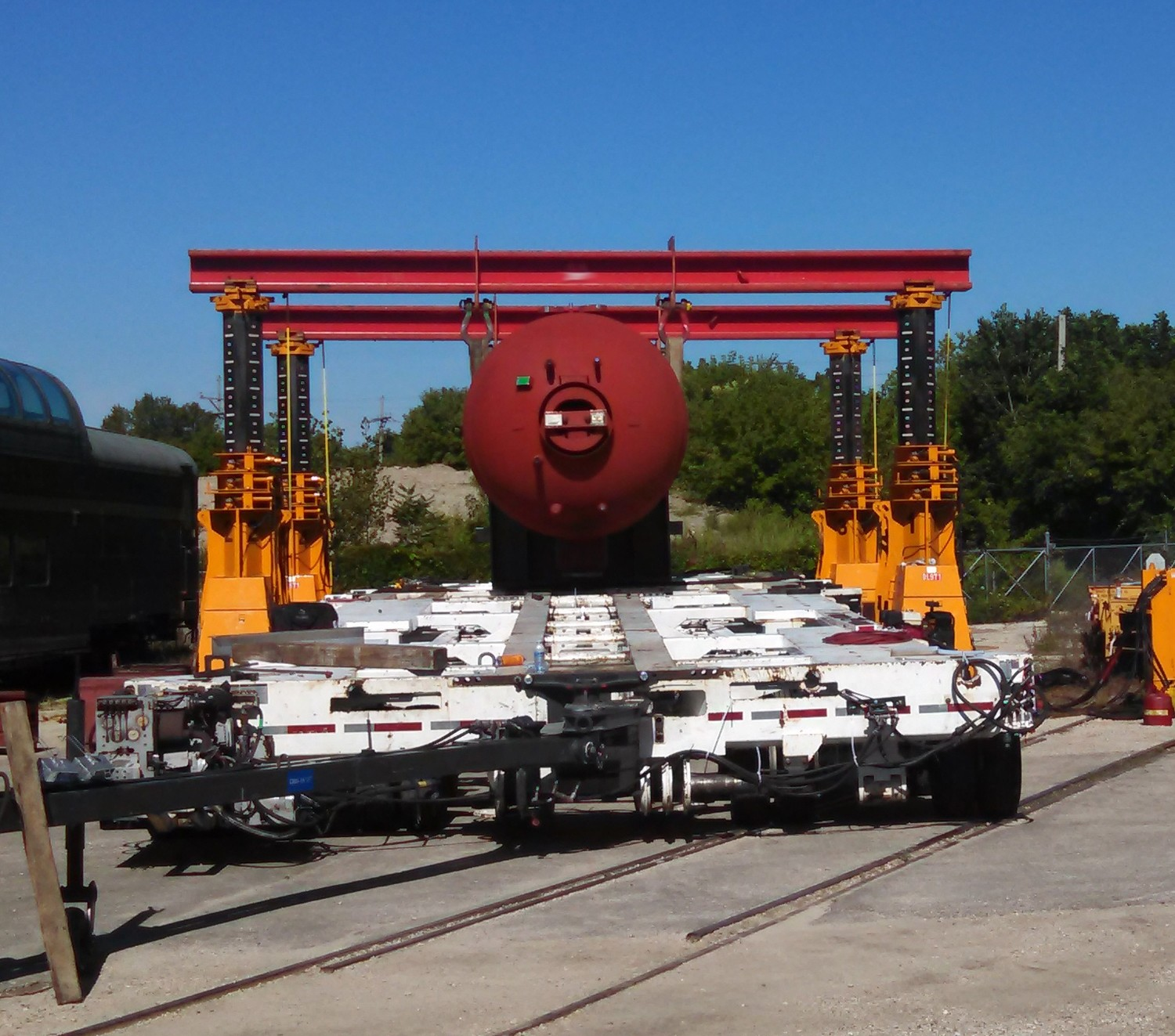 J & R Engineering 450 Ton Lift-N-Lock Hydraulic Gantry For Sale