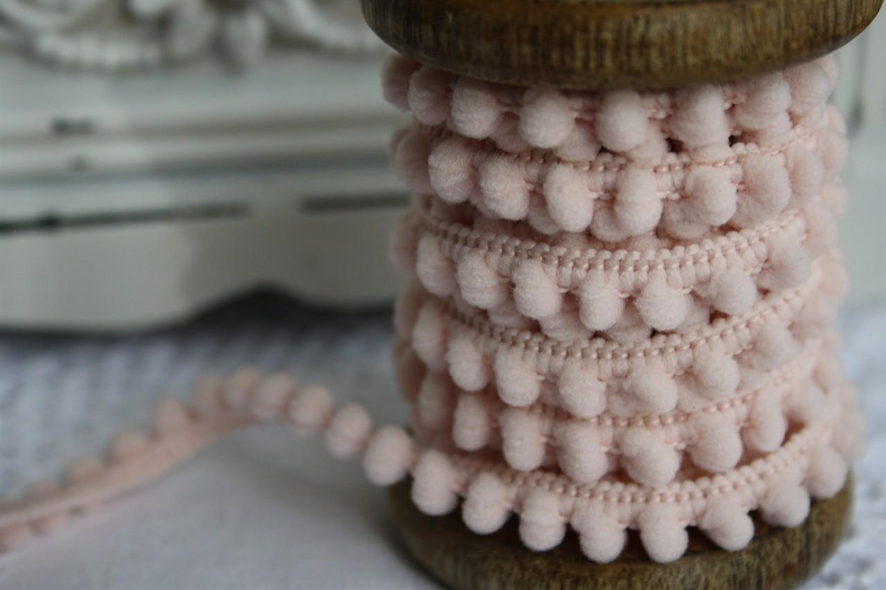 Small Light Pink Pompoms