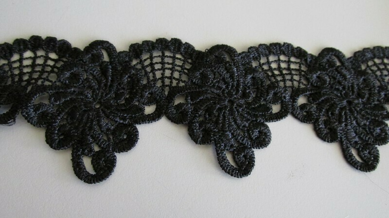 Scallop Web Lace - Black