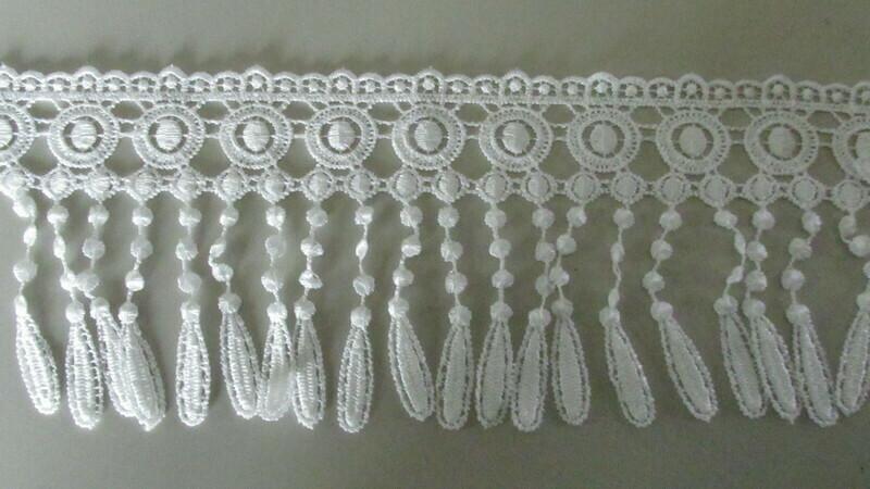 Circle Tassel Lace - White