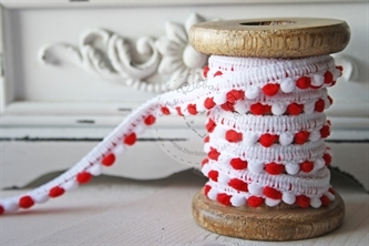Small Red/White Pompoms