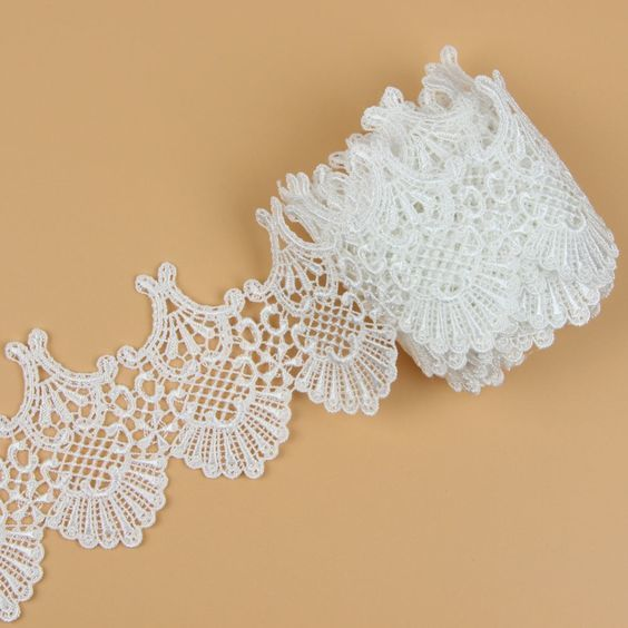 Lace Arch - Off White Lace