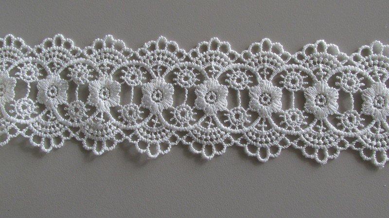 Bilateral Lace - white