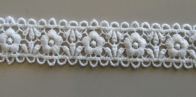 Daisy Arch Lace - White