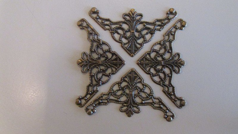 Bronze Filigree Triangle Corners x 4
