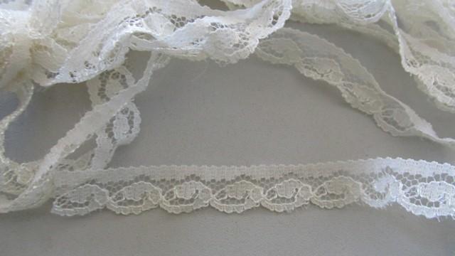 Cream Scallop Wave Lace