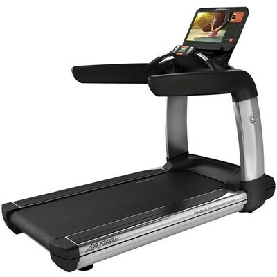 Life Fitness Platinum Club Series Treadmill w/SE3HD Console