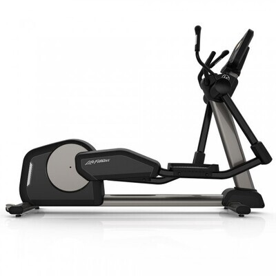 Life Fitness Club Series+ Elliptical Cross Trainer w/ST Console