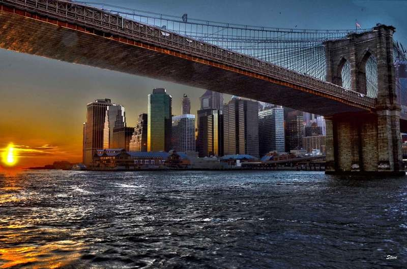 Sunset under Brooklyn bridge