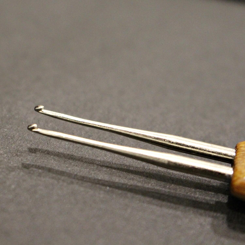 Crochet à queue 2 pointes dreadlocks Locks avec manche - 05 - 075