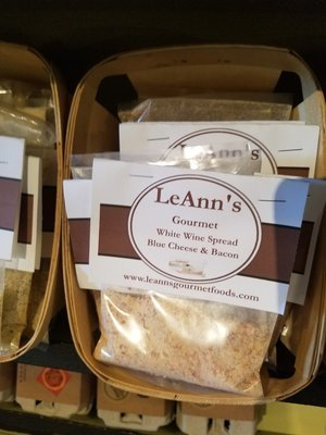 LeAnn's Gourmet Blue Cheese and Bacon Wine Spread