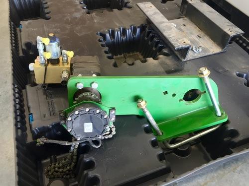 Used JD Hydraulic Motor Kit (LH Side)